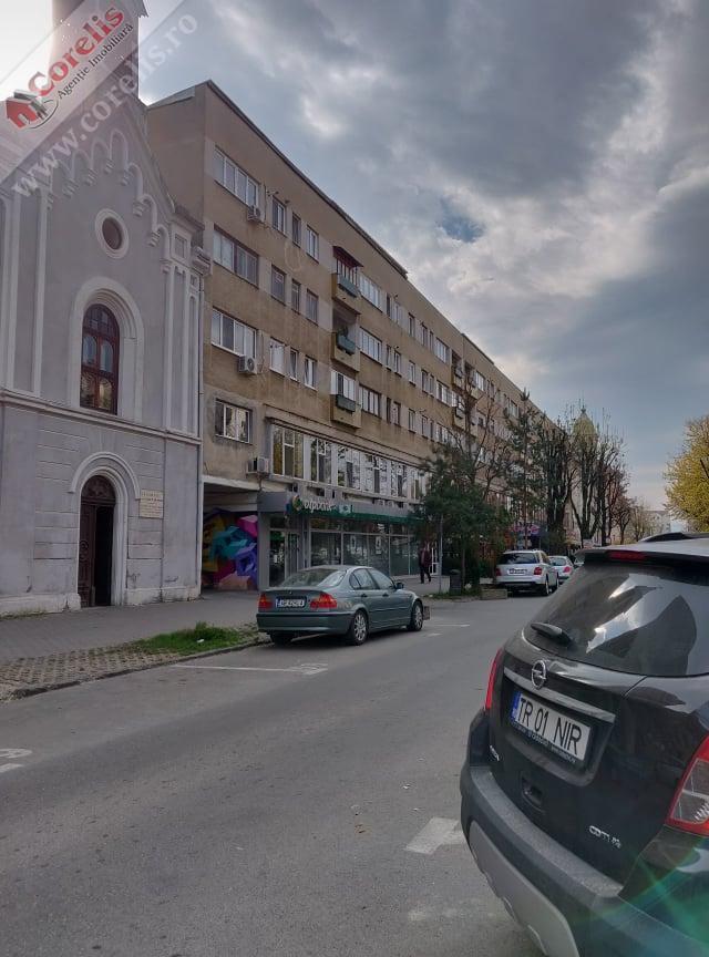 De inchiriat spatiu comercial 232mp Alba Iulia – Centru