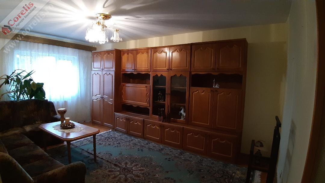 Apartament 3 camere in Tolstoi