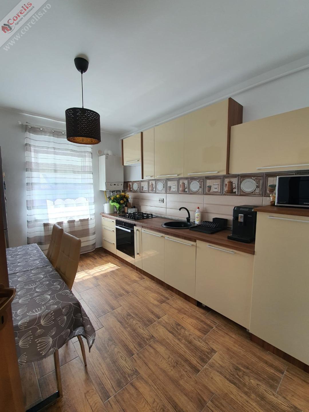 Apartament 3 camere cu GARAJ