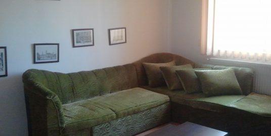 Apartament 3 camere,Cetate