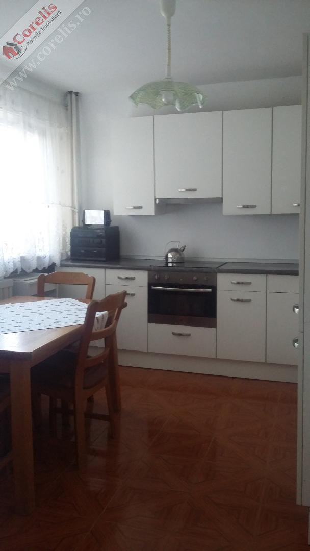 Apartamet 4 camere M-uri